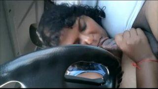 इंडियन माल ने कार में लंड चूसा