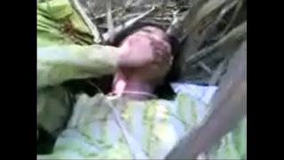 देसी विलेज गर्ल की खेत में चुदाई