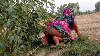 रूपा भाभी ने खेत पर चुदवा लिया