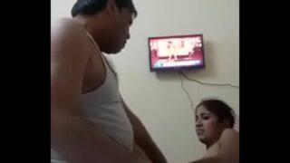पतली लड़की को मोटे लंड से चोदा