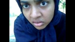 हिजाबवाली बांगला गर्ल का आउटडोर ब्लोव्जोब