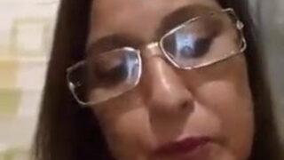 45 साल की आंटी की चिकनी चूत