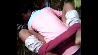 बिहारी लड़की की खेतों में चुदाई