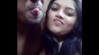 जवान बंगाली कपल की सेक्सी सेल्फी